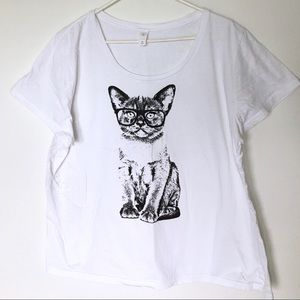 Tops - Awesome cool cat wearing glasses white T-shirt